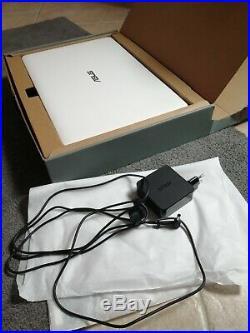 ASUS / ordinateur portable / écran 17 pouces / A9 9420/ 12 gb ram / 1T d'espace