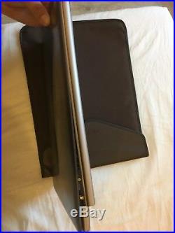 Ordinateur portable/ Asus Zenbook/ 13.3/ Charnière cassée